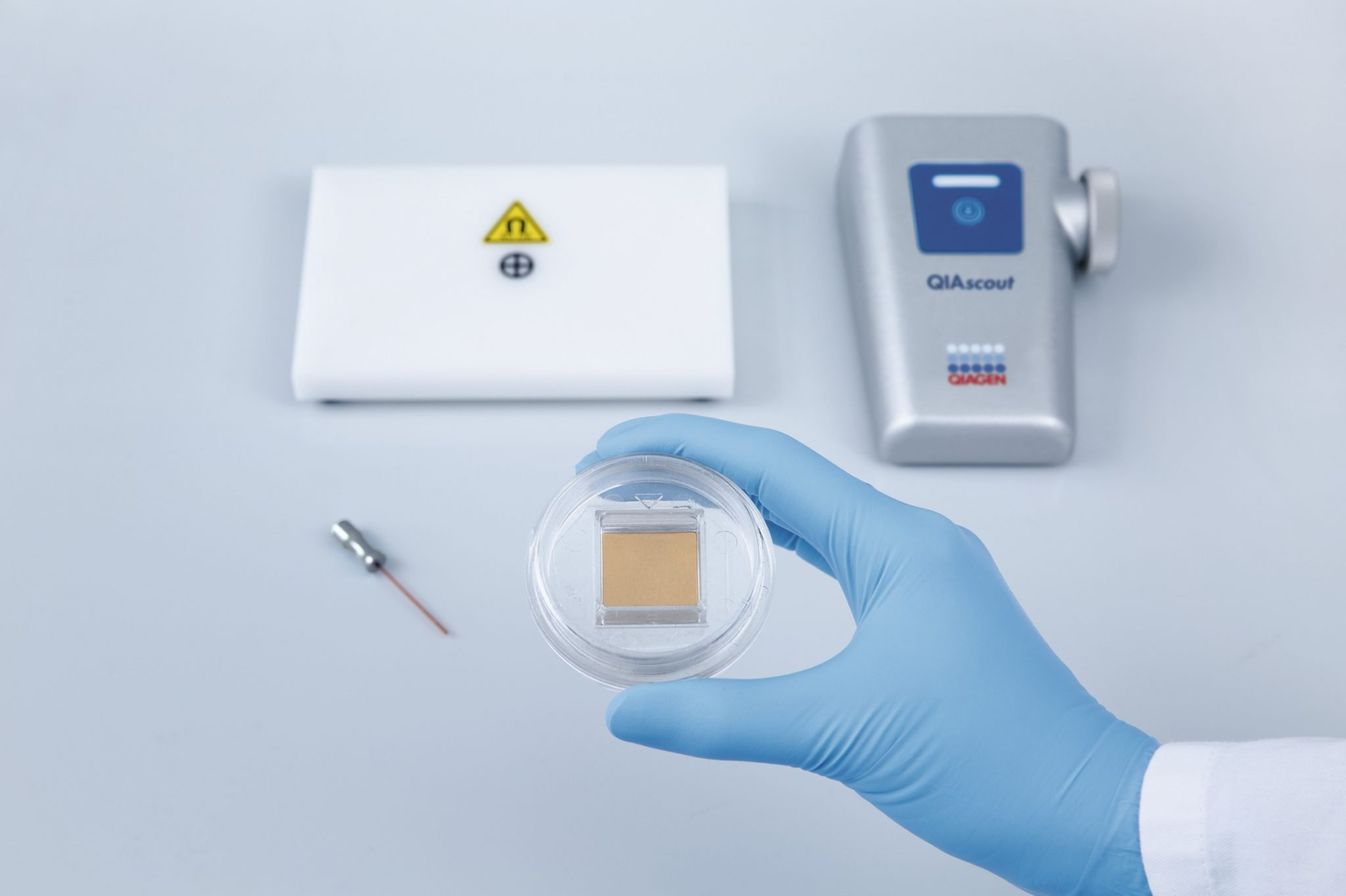 The QIAscout System from QIAGEN | Single-Cell Isolation ...
